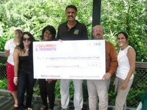 Dunkin Donuts Donated $1000 to Zoo Miami